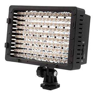 Dimmbares Lichtpanel: Für gut ausgeleuchtete Videos brauchst Du ein Licht-Panel. Das kann direkt auf Camcorder oder Digitalkamera montiert werden. Somit erzielst du auch bei schlechten Lichtverhältnissen ein gestochen scharfes Bild und optimale Ausleuchtung deiner Videos.